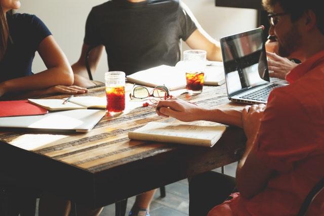 Управление персоналом требует честного общения с каждым сотрудником